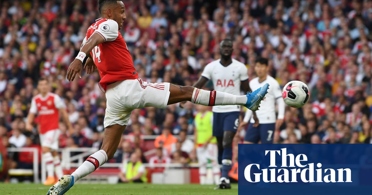 Aubameyang completes comeback and earns Arsenal draw against Spurs