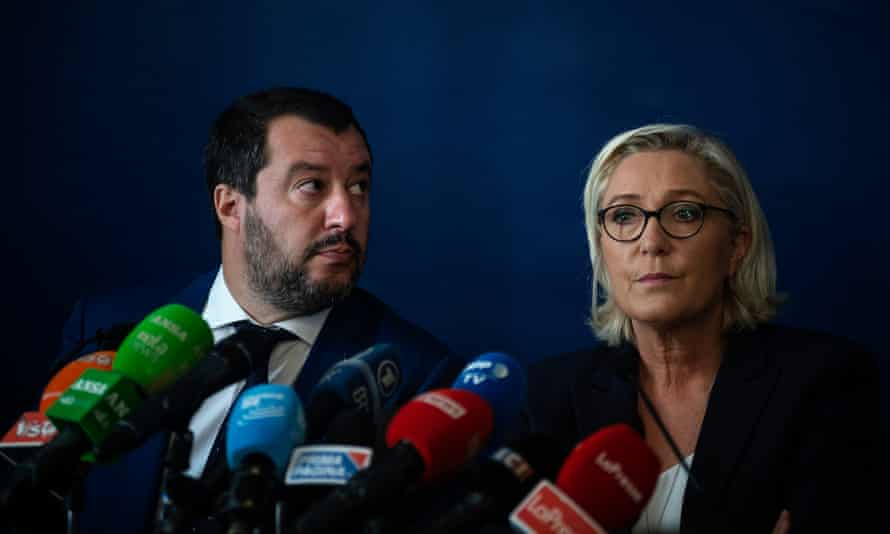 Marine Le Pen (right), the leader of the French far-right National Rally (RN) party and former Italian deputy prime minister Matteo Salvini in October 2018.