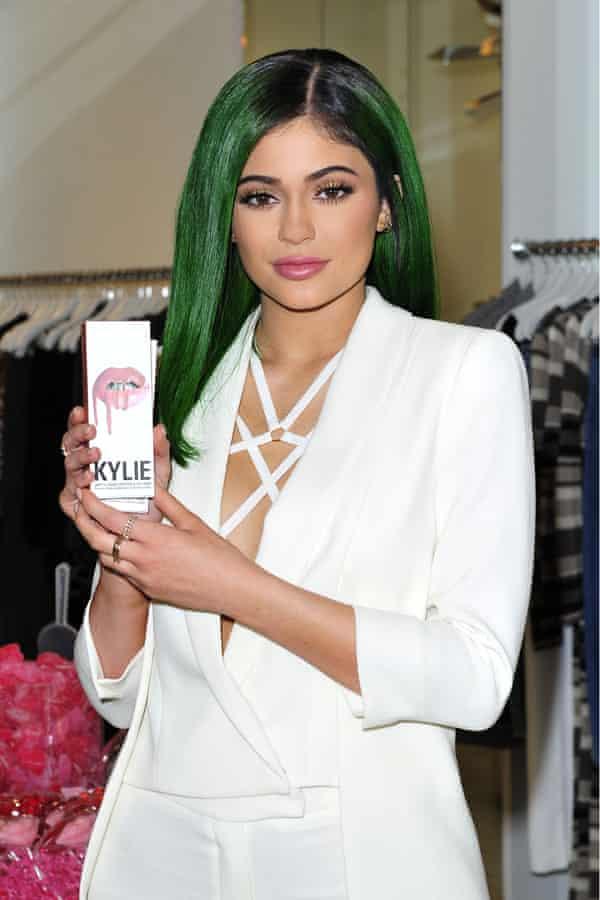 kylie jenner, whose cosmetics company kylie cosmetics uses shopify