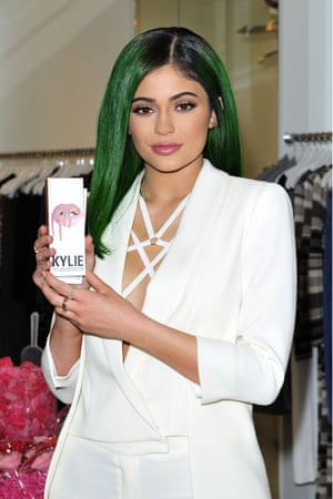 kylie jenner, whose cosmetics company kylie cosmetics uses shopify