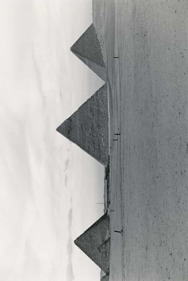 Wolfgang Tillmans, Pyramids, 2005 © Wolfgang Tillmans, courtesy of Maureen Paley, London / Hove