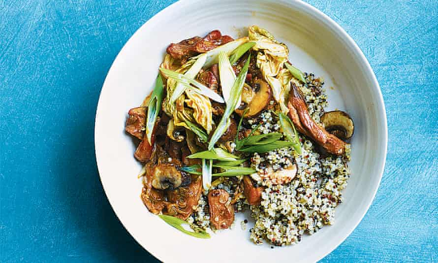 Aromatic braised chicken, hidden veg and quinoa hot pot