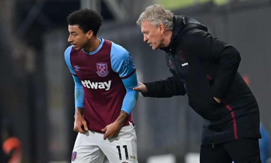 David Moyes instructs Jesse Lingard during West Ham's draw with Fulham at Craven Cottage. Both have had very good seasons