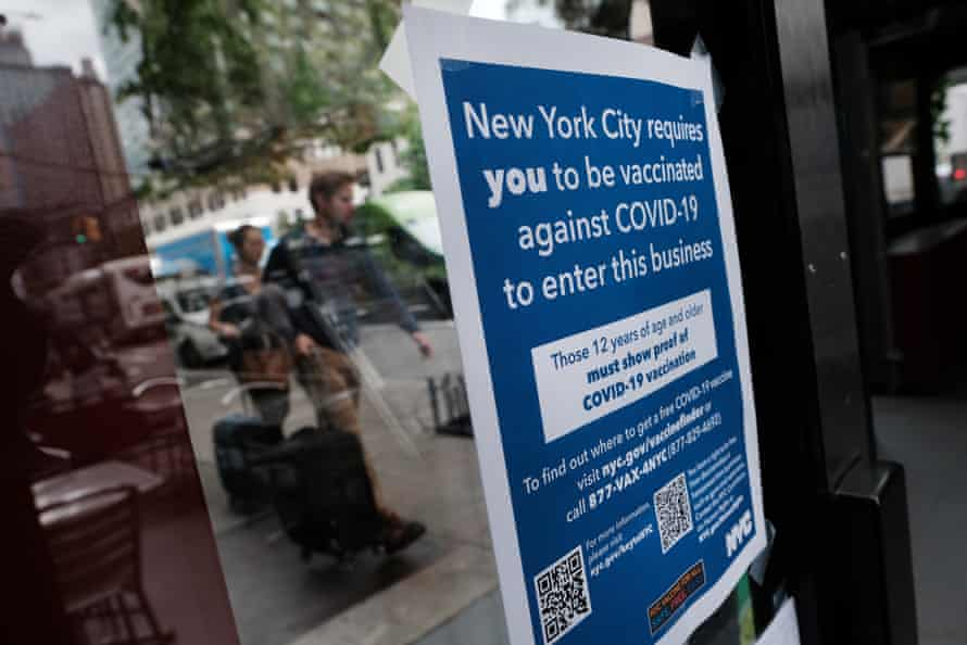 A New York City restaurant informs customers that they will need to show proof vaccination.