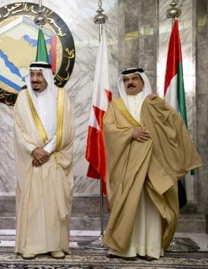 Saudi Arabia's King Salman and Bahrain's King Hamad bin Isa al Khalifa