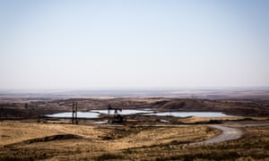 General view of an oil-field near the Fysh Khabwr border crossing.