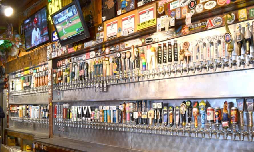 El Bait Shop, Des Moines, Iowa.