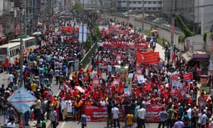 Garment workers march in Dhaka