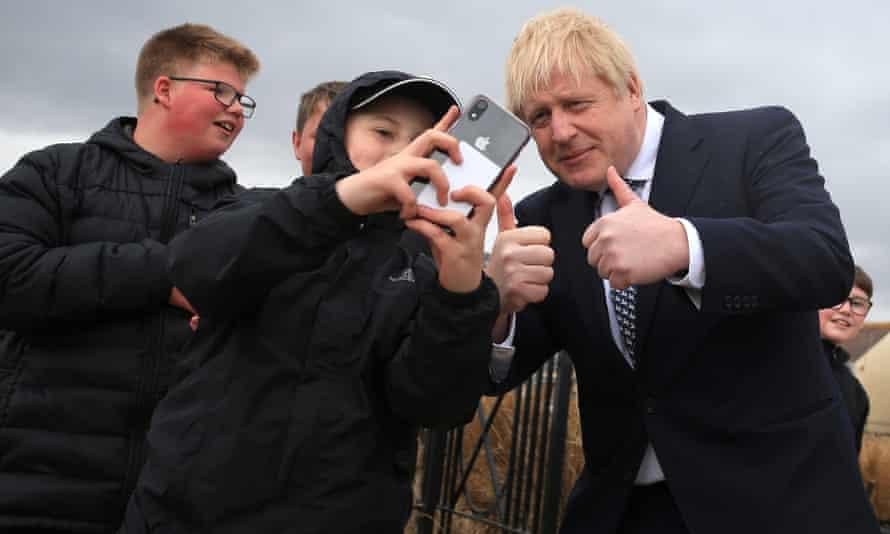 Boris Johnson taking selfie with boys in Hartlepool.
