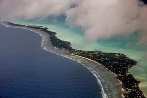 Rising sea level in Kiribati