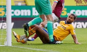 Everton's Dominic Calvert-Lewin slides in to score.