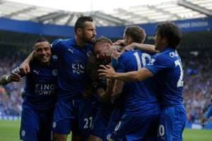 Jamie Vardy and team-mates celebrate