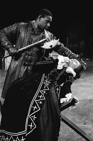 David Harewood as Enobarbus and Vanessa Redgrave as Cleopatra in Antony and Cleopatra