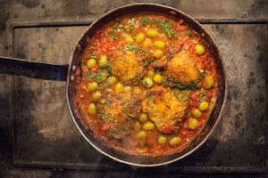 Chicken thighs in green olive and tomato sauce