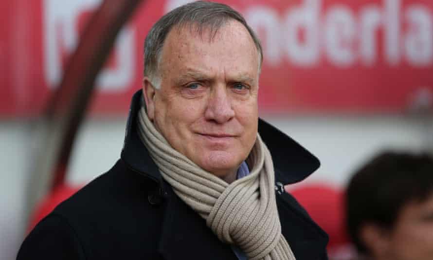 Dick Advocaat's last job in club management was at Sunderland.