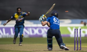 Buttler is bowled by a yorker from Bandara.