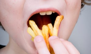 A child eating chips