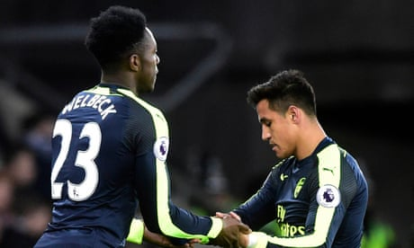 Arsenal's Alexis Sánchez goes to the dogs to find solace from his big city blues | Simon Burnton