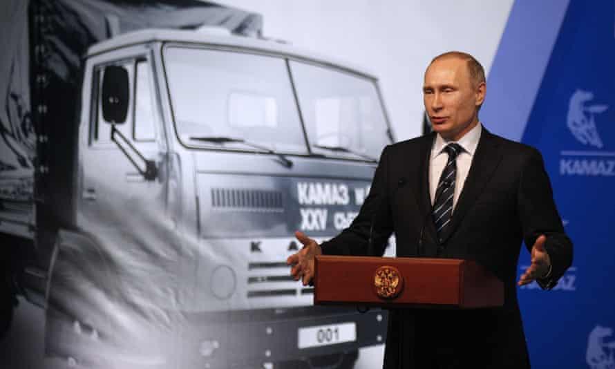 Vladimir Putin at the Kamaz vehicle plant