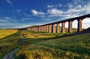 Ribblehead ViaductRibbleshead Viaduct Train line countryside