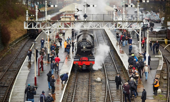 Steam, sweat and tears as Flying Scotsman leaves spectators moved