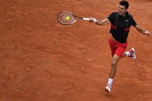 Djokovic wins the third set 6-1.
