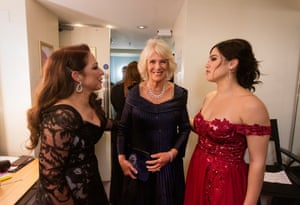 Camilla, Duchess of Cornwall, inside the presenters' room with Gloria Estefan and Christie Prades, 2019.