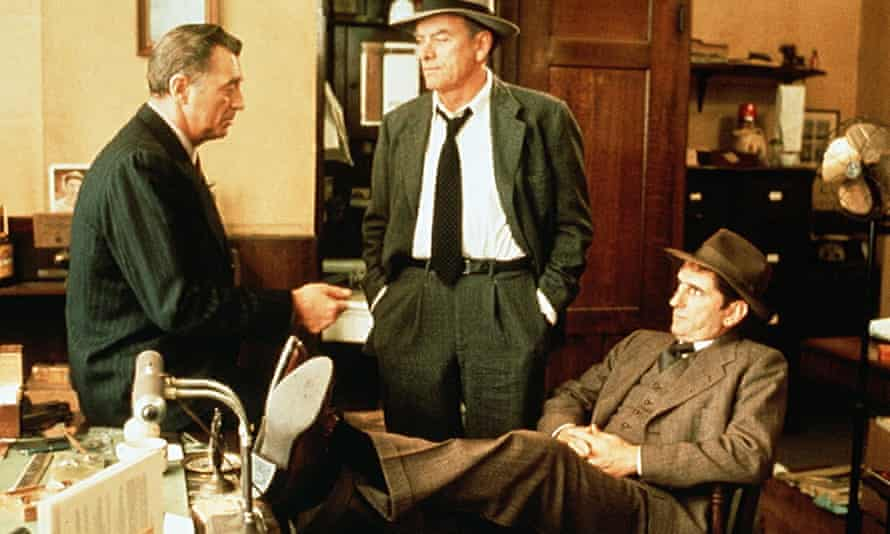 Robert Mitchum (left) as Philip Marlowe in the 1975 film of Farewell, My Lovely.