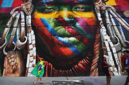 A mural by Eduardo Kobra depicting an indigenous Brazilian.