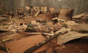 Burnt homes in Gannet Place Batemans Bay, 1 January 2020.