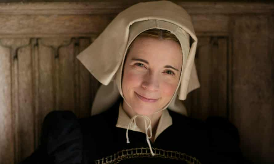 Lucy Worsley dresses up as a maidservant in Henry VIII's court