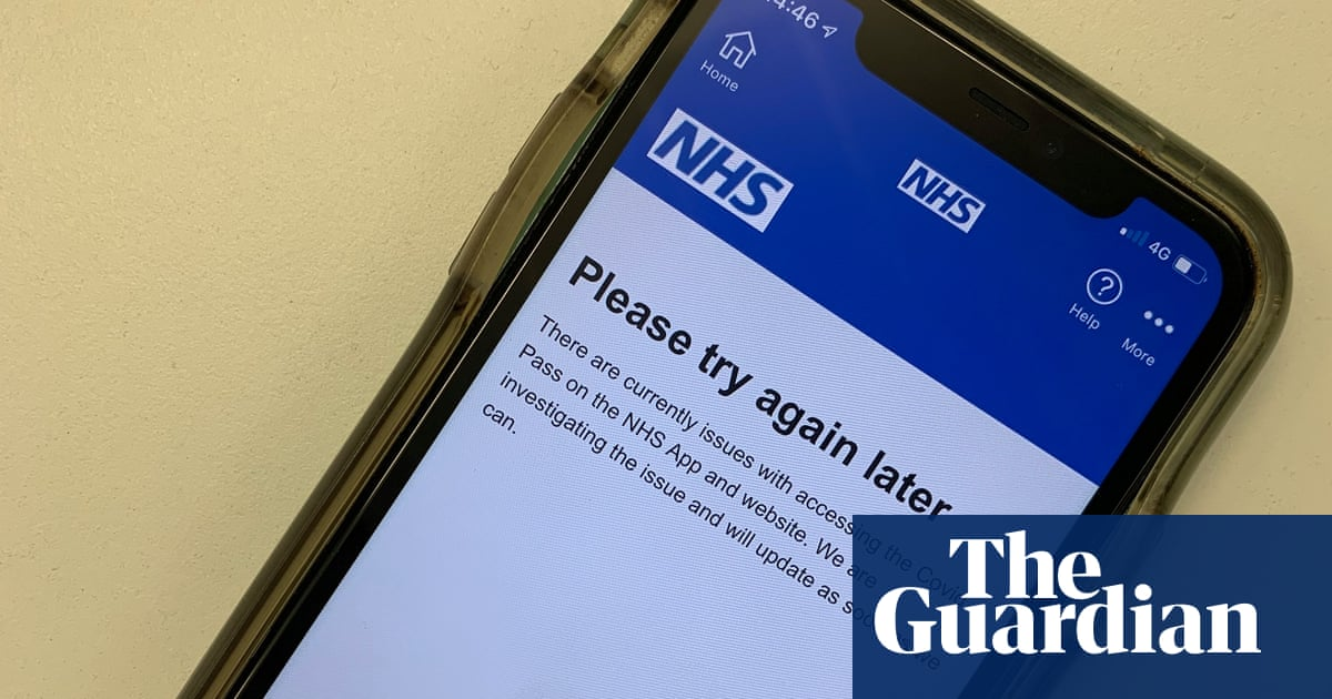 Malfunctioning NHS app for Covid vaccine status causes travel delays