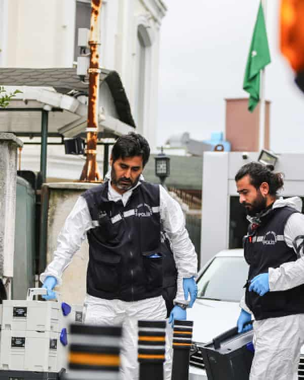 Turkish crime scene investigation team arrives at the residence of consul general of Saudi Arabia.