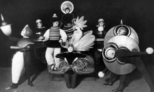 Schlemmer's costumes for the Wieder Metropol revue (1926).