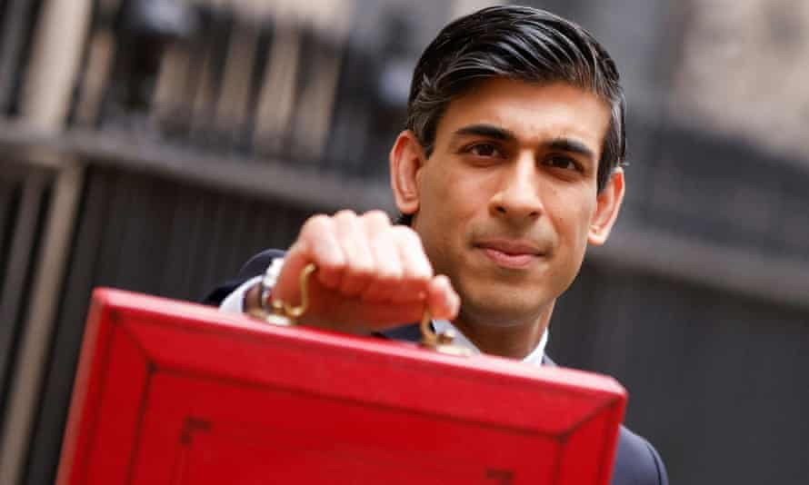 Rishi Sunak presents the budget box