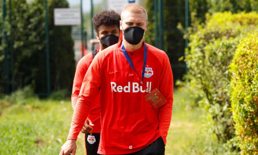 Red Bull Salzburg players wearing protective face masks for training on Tuesday.