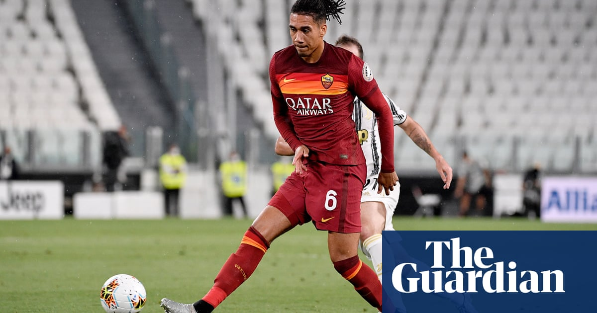 Roma prepare second Chris Smalling bid as Manchester United ask for £18m