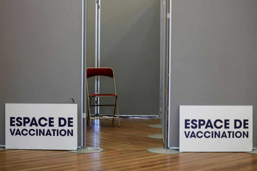 An empty booth at a Covid-19 vaccination centre in Paris