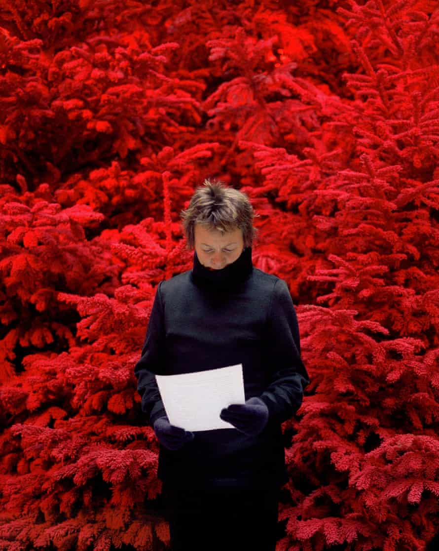 'Take Care of Yourself' (2007) in which musician Laurie Anderson was one of 107 women who responded to a note left by Calle's ex-boyfriend.