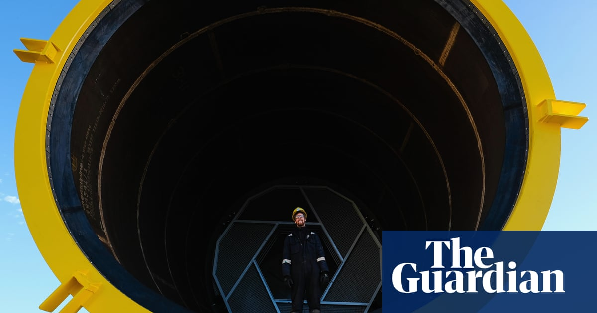 Biggest offshore windfarm to start UK supply this week