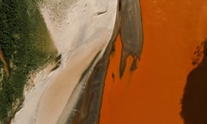 When the dam failed, it unleashed about 40m litres of water and sediment from iron ore extraction.
