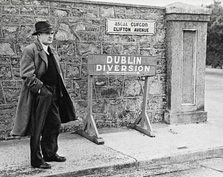 Watch the delight as you recite Flann O'Brien's 'A pint of plain is your only man.