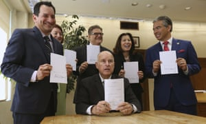 California governor Jerry Brown signed a bill Tuesday making the state the first in the US to end bail.
