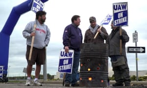 GM workers on strike in Lordstown, Ohio. The 40-day strike has now been settled.