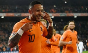 Memphis Depay makes France pay from the penalty spot.