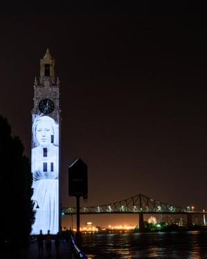 Cité Mémoire, a projection on to historic Old Port building