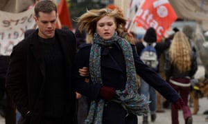 Damon with Julia Stiles as Nicky in The Bourne Supremacy.
