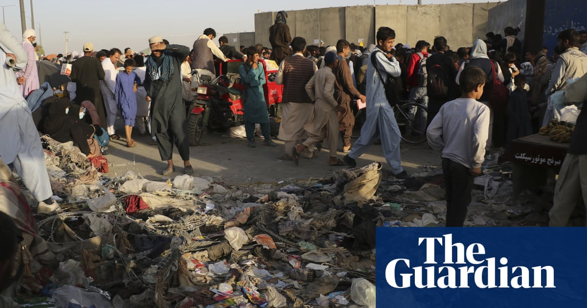 UK nationals of Afghan origin being overlooked in Kabul airlift, claim lawyers
