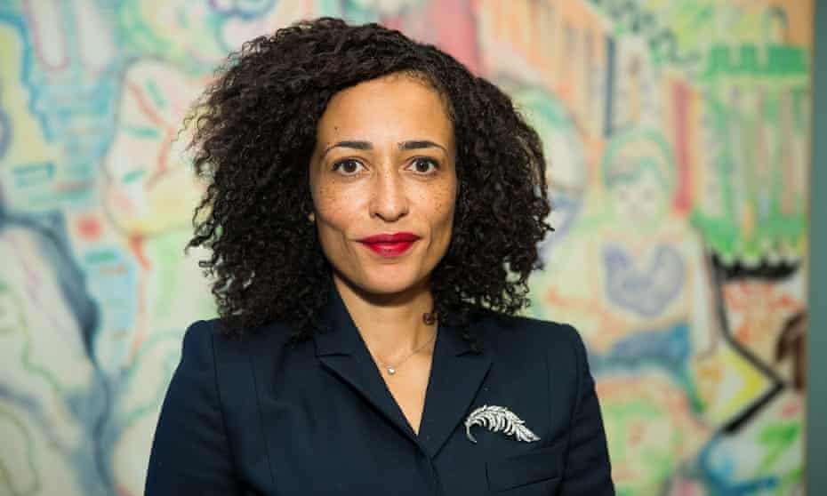 Zadie Smith Receives WELT-Literaturpreis 2016 In BerlinBERLIN, GERMANY - NOVEMBER 10: English novelist Zadie Smith at Redaktion BLAU on November 10, 2016 in Berlin, Germany. The annual literature award is available to international authors since 1999. (Photo by Brian Dowling/Getty Images)