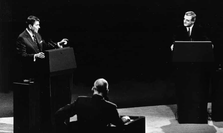 US President Ronald Reagan, left, and his Democratic challenger Walter Mondale, right, are seen during their televised presidential debate, Kansas City, Missouri, 22 October, 1984.